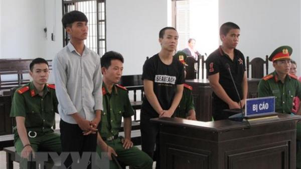 Ninh Thuận: Phạt tù nhóm thanh niên xâm hại tập thể người dưới 16 tuổi