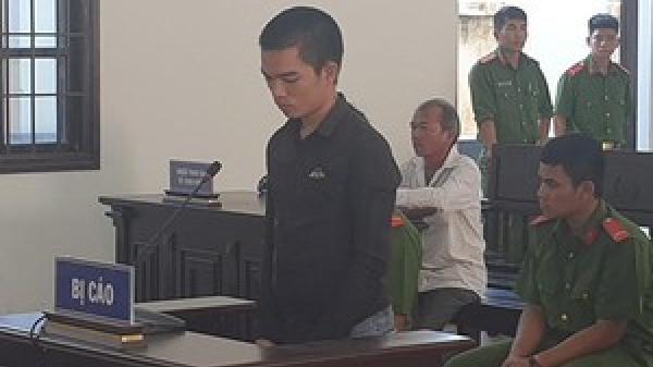 Ninh Thuận: Nam thanh niên lĩnh án 15 năm tù giam do chém người