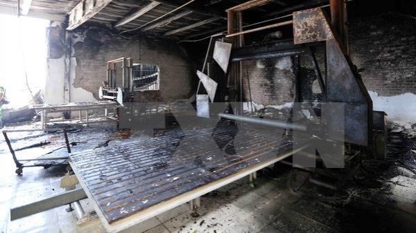 Đà Nẵng: Hỏa hoạn thiêu rụi cơ sở chứa nệm trong khu dân cư
