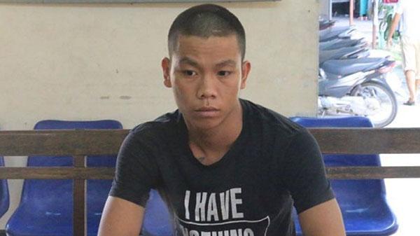 Đà Nẵng: Vượt siêu xe Mercedes không thành, hai thanh niên chặn đường đập phá