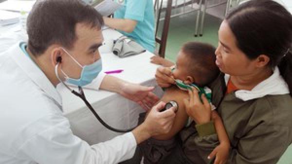 Khám sàng lọc cho người mắc bệnh tim gặp khó khăn ở Ninh Thuận