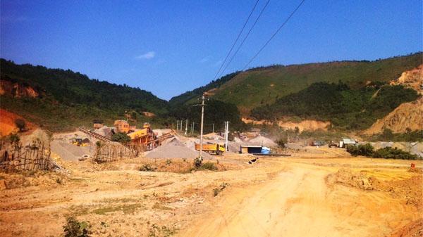 """Hòa Vang (Đà Nẵng): Khu vực mỏ đá thôn Phước Thuận vẫn """"hành"""" dân"""