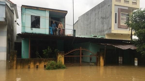 Ngập lụt, Đà Nẵng cho học sinh một số trường nghỉ học ngày mai (6/11)