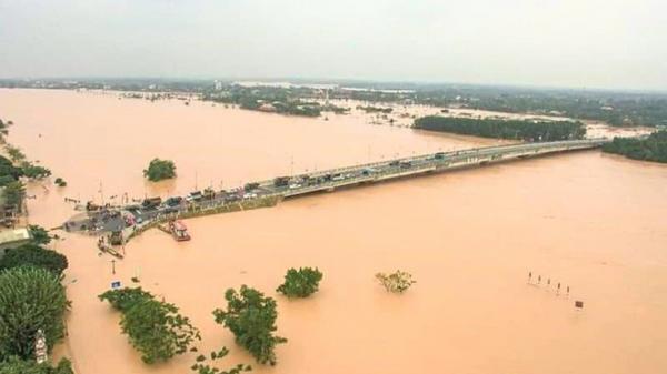 Chủ tịch huyện ở Quảng Trị lên tiếng về việc ký văn bản cứu trợ khiến dân mạng xôn xao