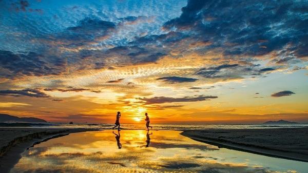 Vì sao biển Mỹ Khê lọt top bãi biển đẹp nhất hành tinh?