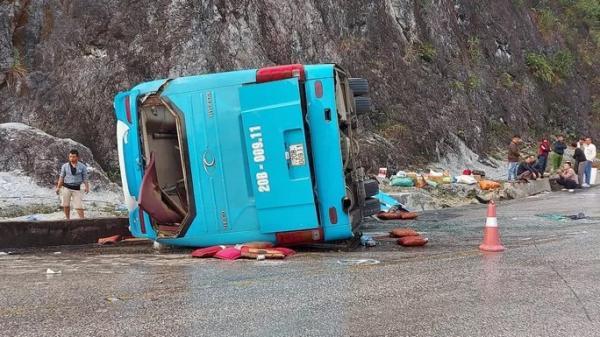 Điều tra nguyên nhân vụ lật xe kinh hoàng ở Hòa Bình khiến 8 người ở Đà Nẵng thư.ơng vo.ng