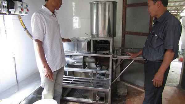 Người nông dân Quảng Trị chế tạo máy làm bún liên hoàn
