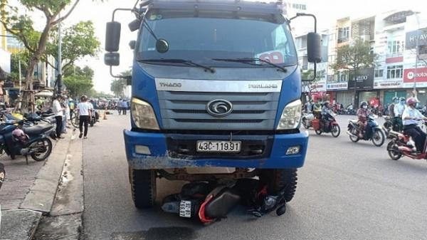 Khởi tố tài xế xe tải cán t.ử vo.ng cô gái dừng chờ đèn đỏ