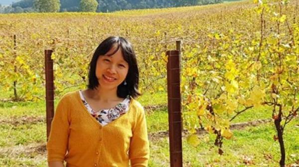 Nữ Giáo sư - Tiến sĩ quê Quảng Trị nhận giải thưởng Noam Chomsky