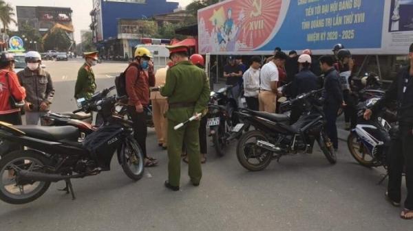 Quảng Trị: Tạm giữ 14 phương tiện tụ tập gây mất trật tự, vi phạm luật giao thông