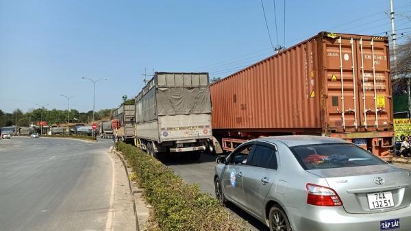 Quảng Trị: Nguy cơ mất an toàn giao thông trên Quốc lộ 9 đoạn qua thị trấn Lao Bảo