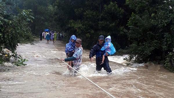 Đà Nẵng: Tuyệt đối đảm bảo an toàn cho người dân vùng lũ