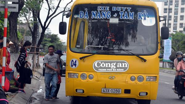 """Xe buýt Đà Nẵng - Tam Kỳ: Bức xúc với chủ trương """"ngắt"""" tuyến"""