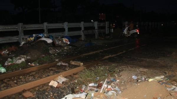 Đà Nẵng: Băng qua đường sắt lúc trời mưa, người đàn ông bị tàu hỏa tông tử vong thương tâm