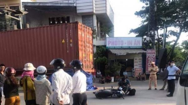 Ô tô đầu kéo va chạm xe máy phía Nam cầu Thành Cổ khiến 1 học sinh tử vong