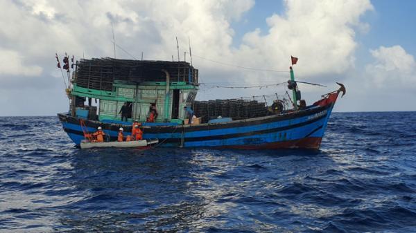 Đà Nẵng: Cứu nạn thuyền trưởng tàu cá gặp tai nạn lao động trên biển