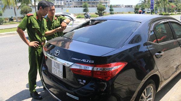 Trích xuất camera truy tìm nhóm thanh niên đập phá hàng loạt ô tô trong đêm ở Đà Nẵng