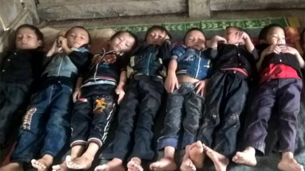 Học sinh miền núi Điện Biên co ro vì thiếu chăn màn, phòng ở