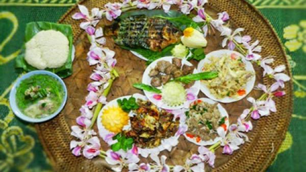 Say lòng những món ngon từ hoa ban ở Điện Biên