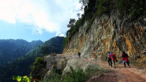 Cột mốc nơi biên cương Tổ quốc trên vùng cao Điện Biên