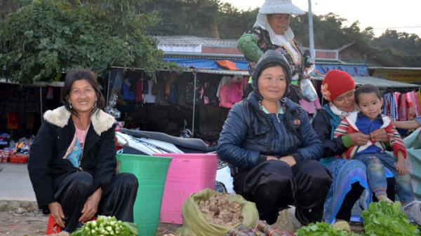 """Chuyện về người đàn bà """"giàu"""" con nhất núi Ðo Hâu, Điện Biên"""