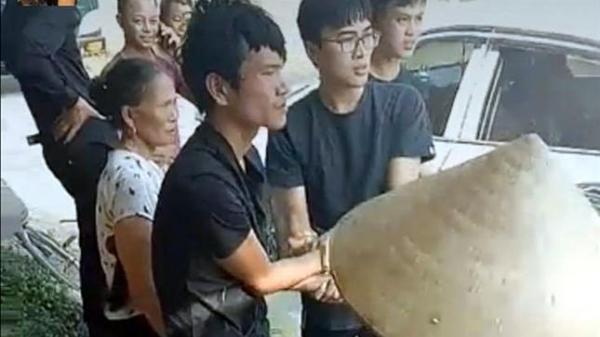 Đối tượng nghi trộm cắp ô tô tại huyện Điện Biên có biểu hiện tâm thần