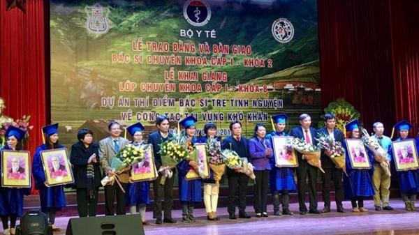 Thêm bảy bác sĩ trẻ tình nguyện về vùng núi cao công tác