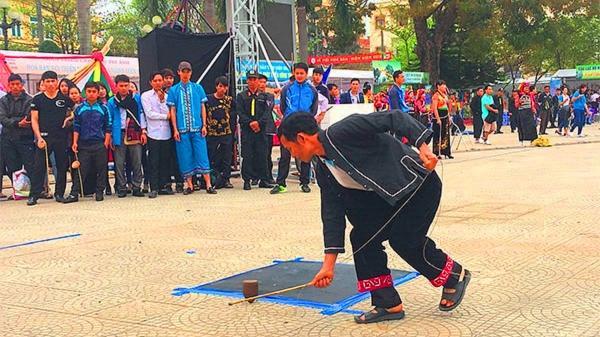 Tù lu - môn thể thao ưa thích của đồng bào Mông ở Điện Biên
