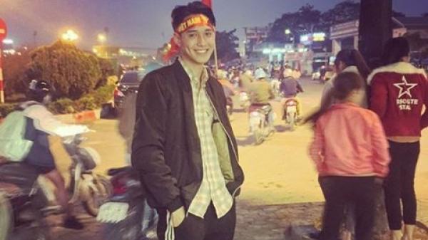 Đi cổ vũ mà còn đẹp trai hơn cả cầu thủ, chàng trai Điện Biên lập tức hot rần rần trên mạng xã hội