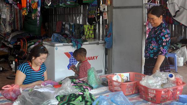 Khám phá Điện Biên: Chủ nhật đi chơi chợ phiên Vàng Lếch ở Nậm Pồ