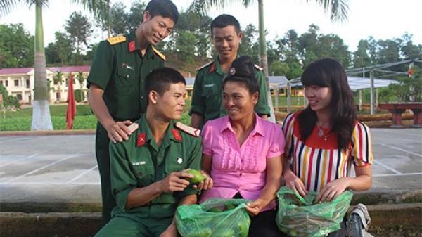 Điện Biên: Tình hậu phương ấm lòng chiến sĩ