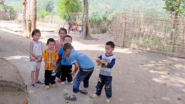 Mải chơi xuân, nhiều học sinh vùng cao Điện Biên chưa đến lớp
