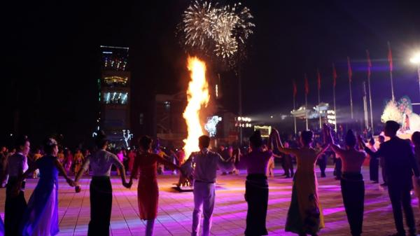 Điện Biên đề nghị tổ chức bắn pháo hoa tầm thấp tại Lễ hội Hoa Ban năm 2018