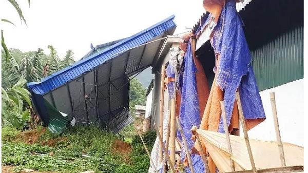 Giông lốc làm hư hỏng hơn 60 nhà dân ở Tủa Chùa