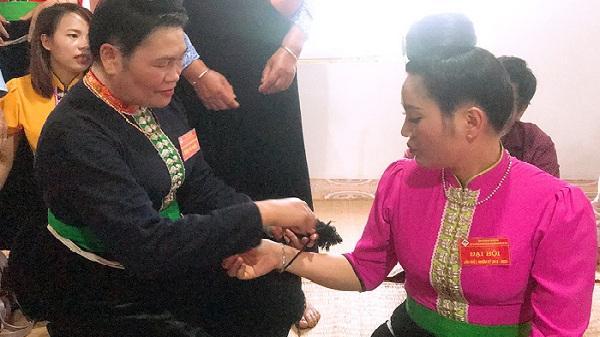 Độc đáo Lễ buộc chỉ cổ tay cầu an của dân tộc Thái