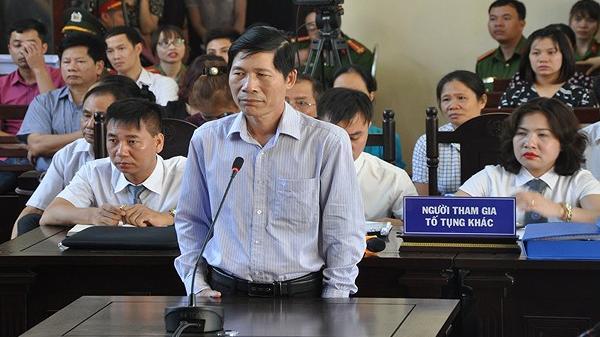 Vụ chạy thận làm 9 người chết: Khởi tố Phó Giám đốc BVĐK tỉnh Hòa Bình