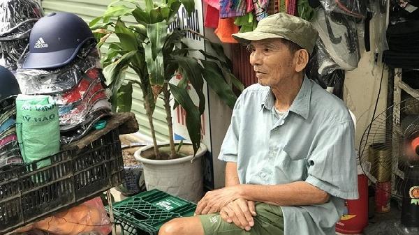 Sau ánh hào quang với các vai diễn, NSƯT Trần Hạnh bán giày, mũ bảo hiểm mưu sinh ở tuổi 89