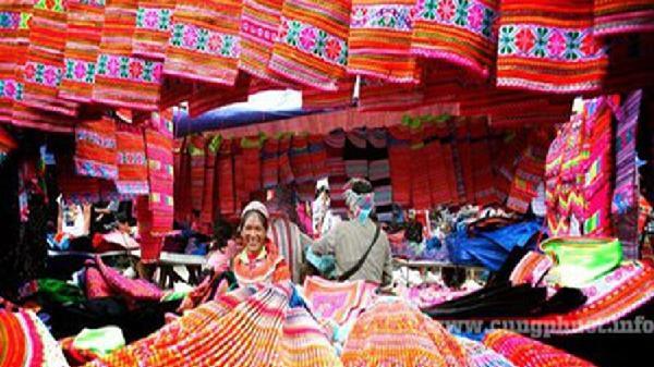 Rộn ràng 'Sắc hoa' tại 'Ngôi nhà chung' Làng Văn hóa- Du lịch các dân tộc Việt Nam