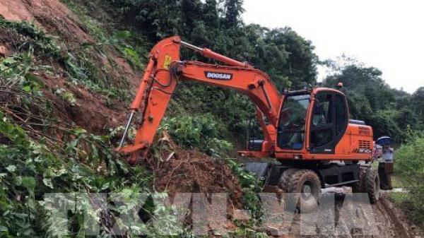 Tạm thời thông tuyến quốc lộ 279 ở Điện Biên sau sự cố sạt lở