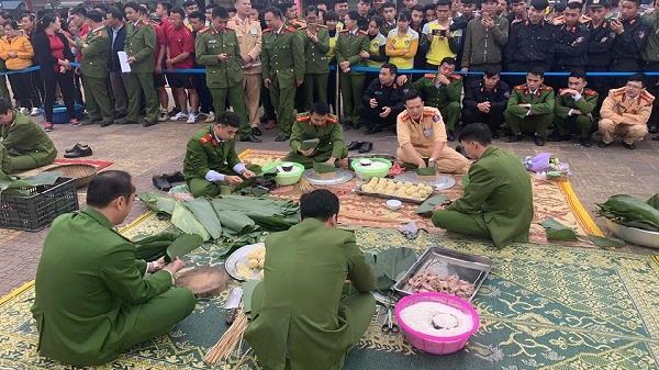Điện Biên: Sôi nổi Hội thi Gói bánh chưng xanh, giã bánh dầy