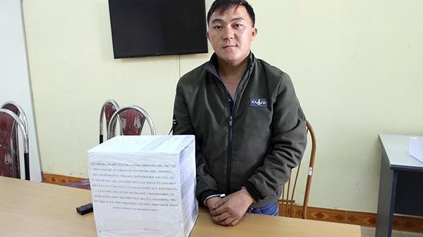 Thanh niên Điện Biên băng rừng vác bao tải chứa 10 kg th.uốc ph.iện đi bán thì bị b.ắt