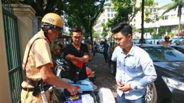 Những lỗi vi phạm có thể nộp trực tiếp cho cảnh sát giao thông