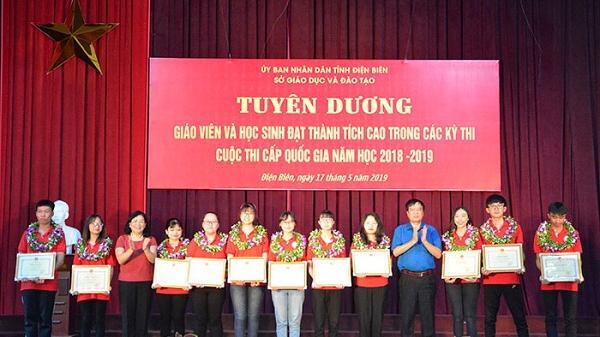 Điện Biên: Tuyên dương 71 học sinh và giáo viên đạt thành tích cao trong các cuộc thi cấp quốc gia