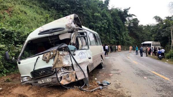 Điện Biên: Tai nạn giao thông, 2 ô tô hư hỏng nặng