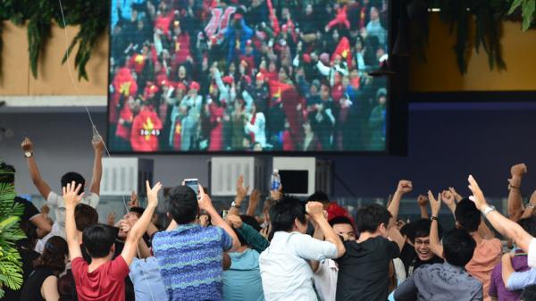 Khóc òa sung sướng trong trận thắng khó tin trước U23 Qatar