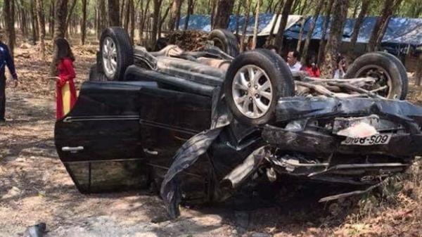 Đồng Nai: Ô tô nổ lốp tông trúng xe máy, 2 người tử vong