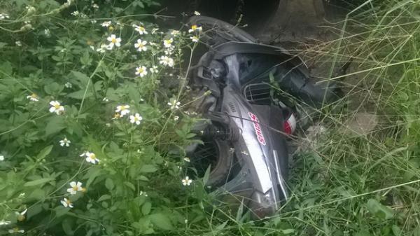 Đồng Nai: Phát hiện một chiếc mô tô nằm dưới cống thoát nước