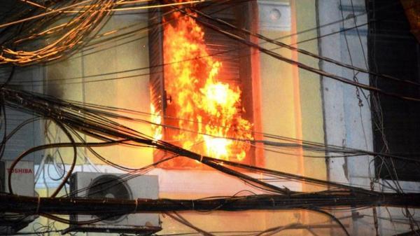 Đồng Nai: Cháy nhà do chập điện lúc sạc laptop