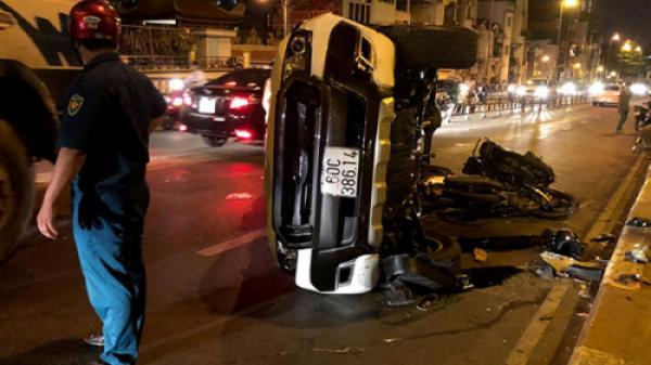 Ô tô biển số Đồng Nai gây tai nạn liên hoàn, một người rơi từ cầu xuống đất tử vong