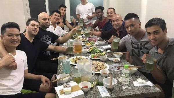 """Cao thủ Flores chưa rời Việt Nam, chờ đấu Chưởng môn """"truyền điện"""""""